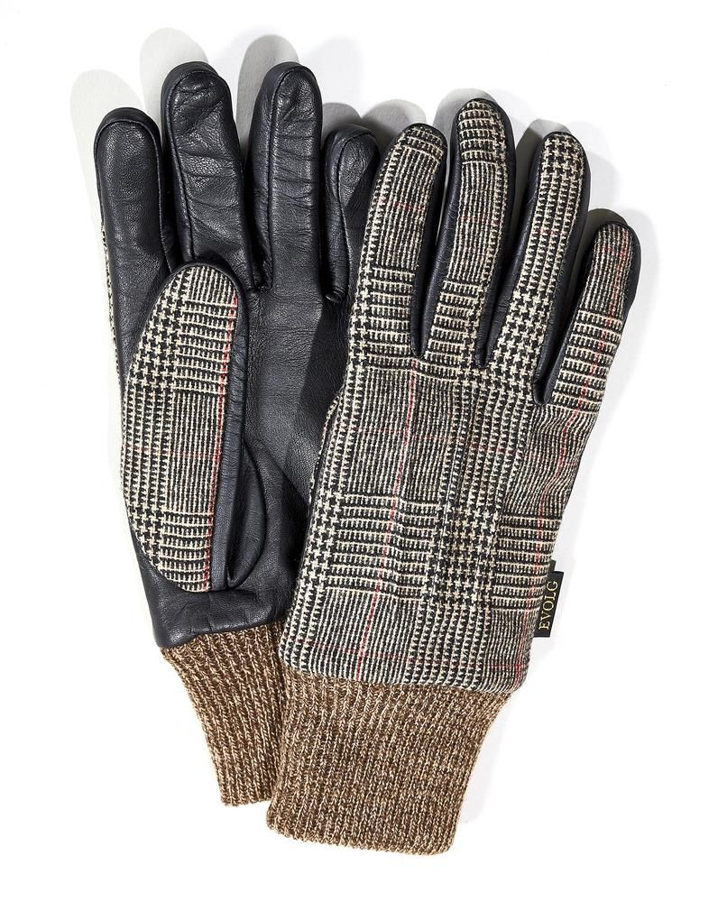 We Tried 50 Texting Gloves. Here are the Best Pairs