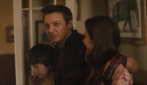 Jeremy Renner as Hawkeye and Linda Cardellini as Laura Barton in Avengers: Age of Ultron