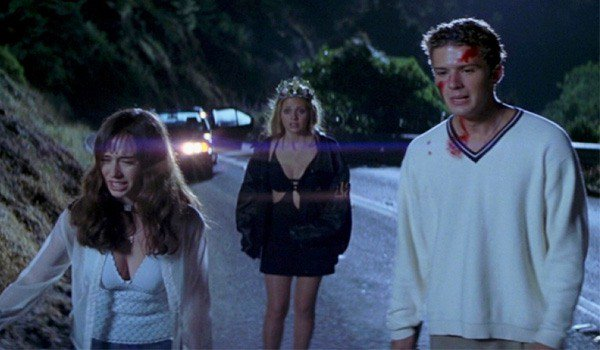 Jennifer Love Hewitt, Sarah Michelle Gellar and Ryan Phillippe in I Know What You Did Last Summer