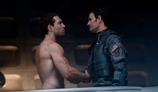 Terminator: Genisys Kyle Reese and John Connor say goodbye by the time machine