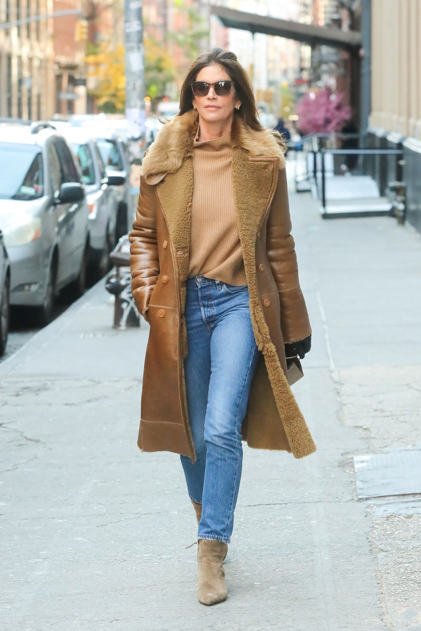 How to wear jeans with booties Cindy Crawford shows how to wear jeans with booties in New York City